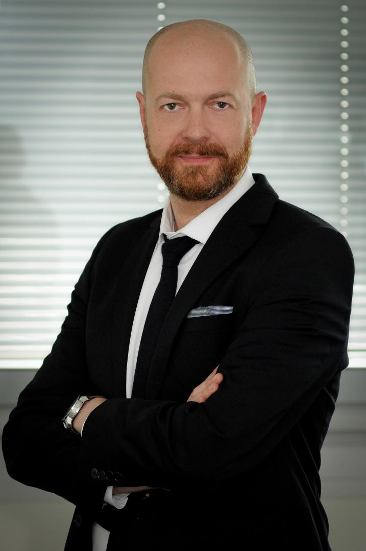Dominik Piwek dyrektorem ds. marketingu i PR w Balmain dyrektor marketingu Dominik Piwek