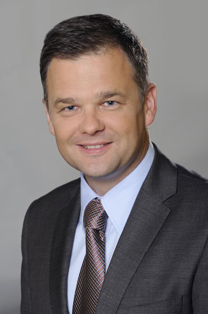 Krzysztof Szuądrzyšski_PwC
