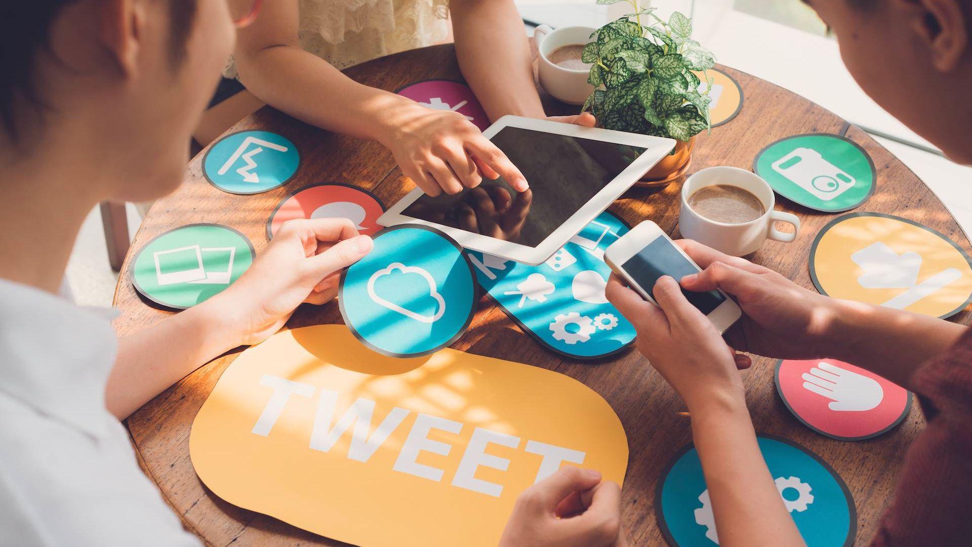 połecznościowa produkcja – nowy sposób na dokument? Kampania Fotolia 68234874 Subscription Monthly XXL