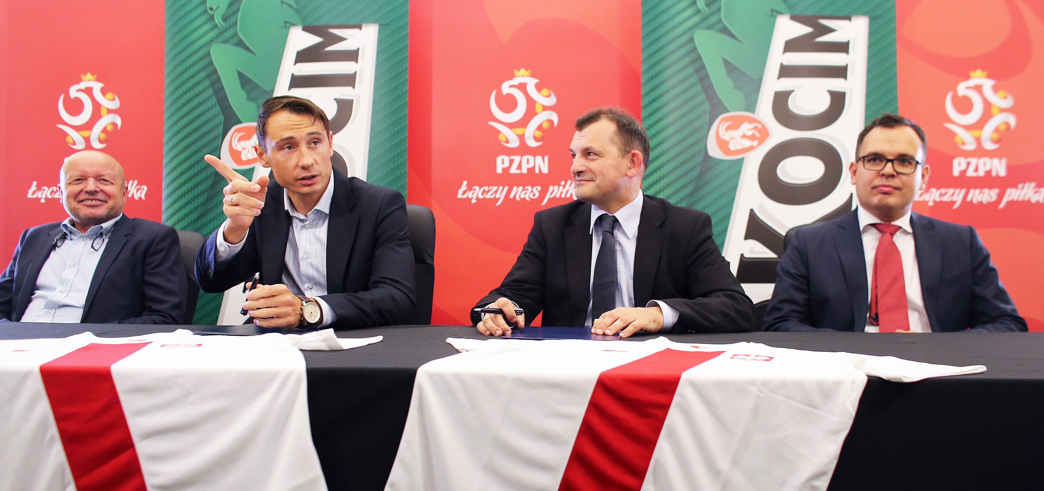 Nowy sponsor Piłkarskiej Reprezentacji Polski piłka nożna Mediarun Com Okocim