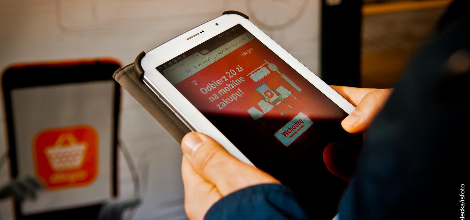 100 interaktywnych citylight'ów z darmowym internetem od Yoberi E-commerce Mediarun Com Yoberi Citylight