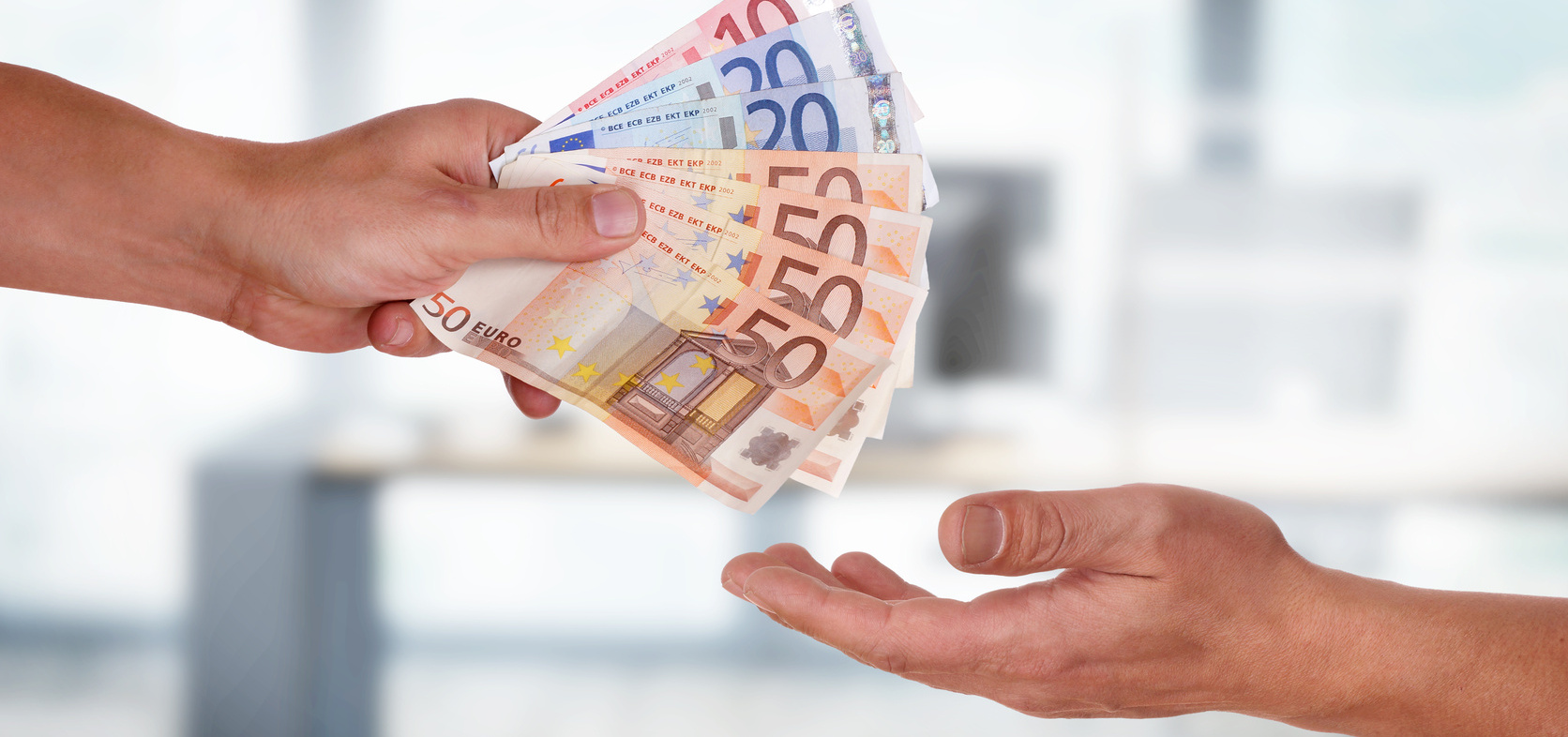 Wzrost wynagrodzeń w agencjach i domach mediowych - sprawdź, czy i Ciebie czeka podwyżka! SAR Mediarun Com Zarobki
