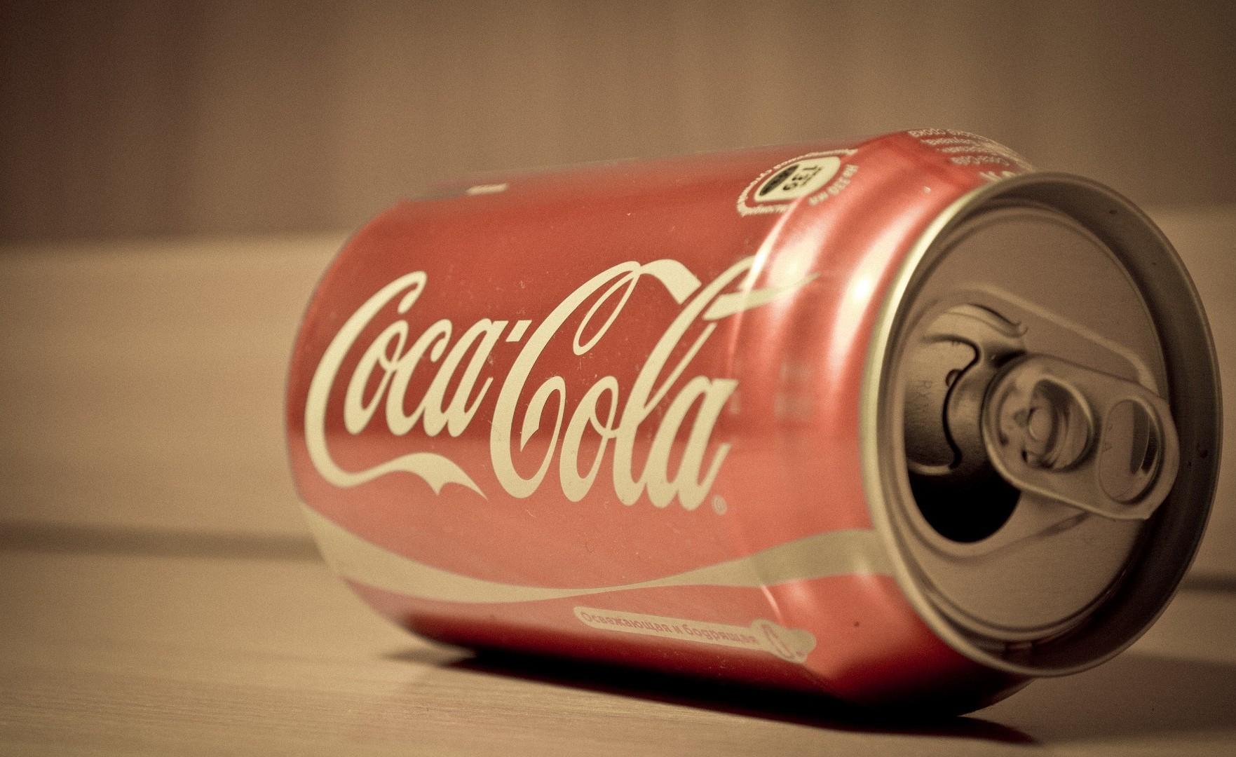 Coca-Cola testuje nowy design Trendy mediarun com coke puszka