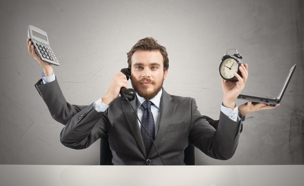 Superman, czy sponsor? Czyli jaka jest rola mężczyzny infografika mediarun com multitasking man
