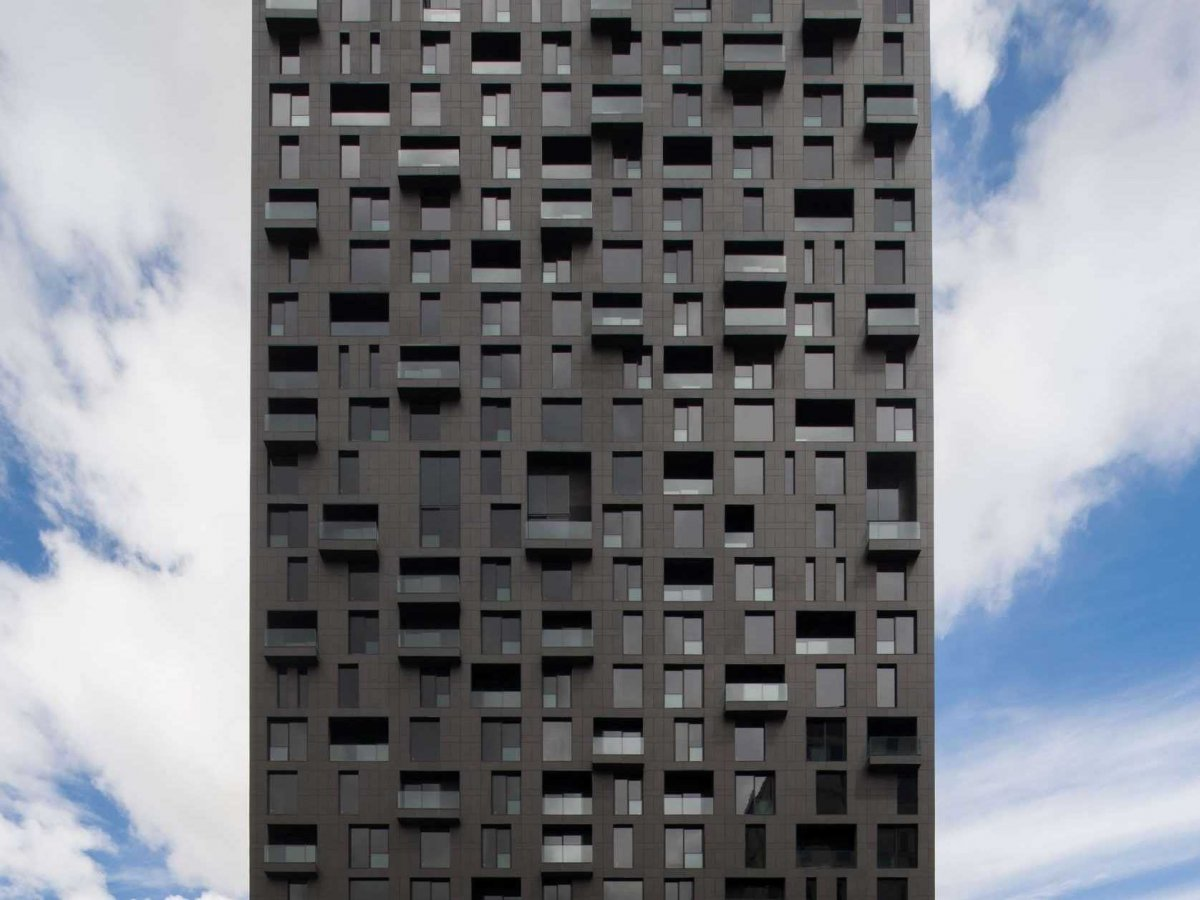 the-magma-towers-is-monterrey-mexico-have-a-mixture-of-office-spaces-and-apartments-and-a-facade-resembling-tetris