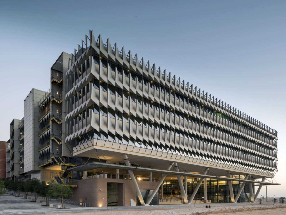 the-siemens-middle-east-headquarters-in-abu-dhabi-uae-is-one-of-the-most-advanced-sustainable-office-buildings-in-the-region