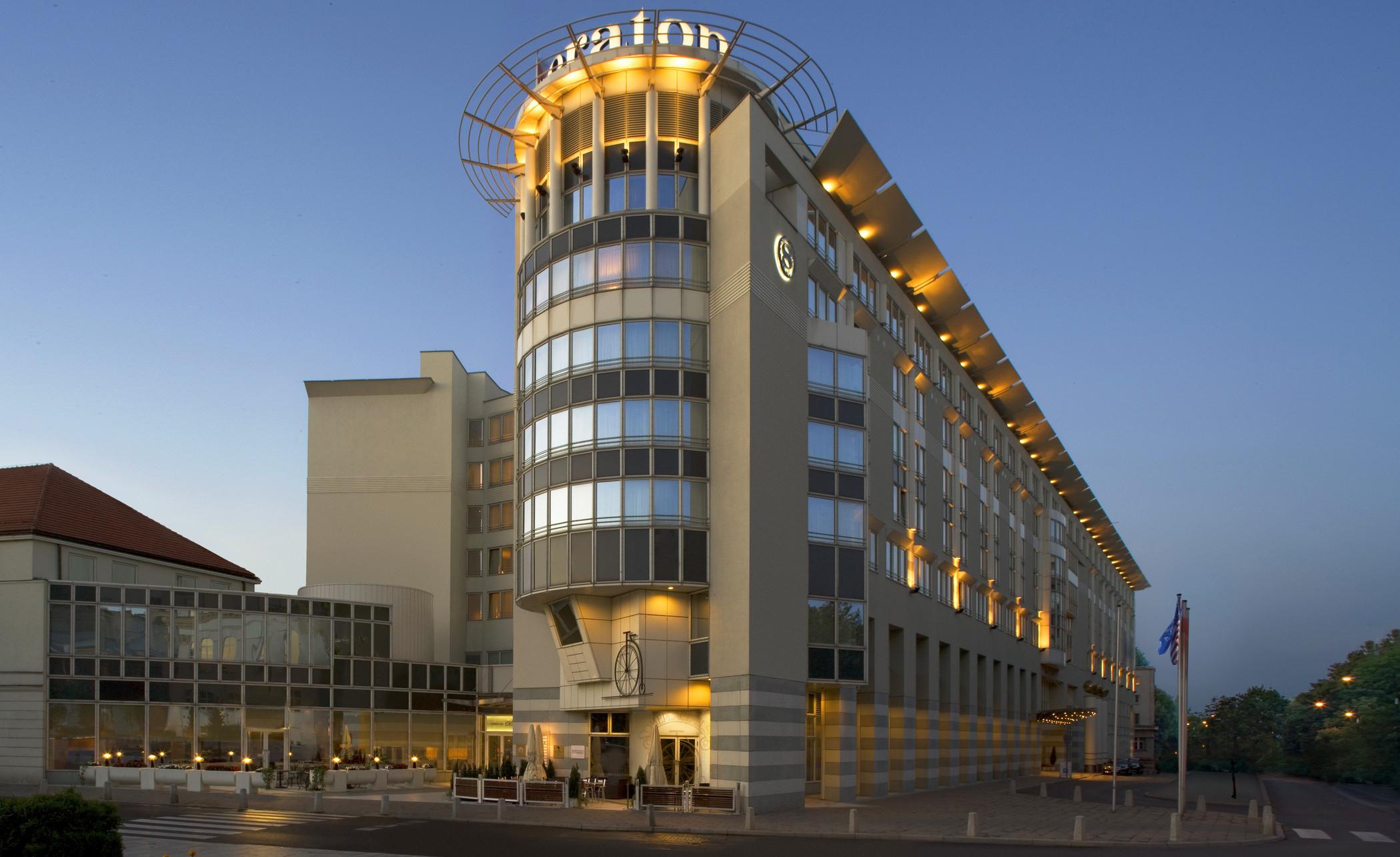 Branding za 100 milionów dolarów Sheraton Sheraton Warsaw