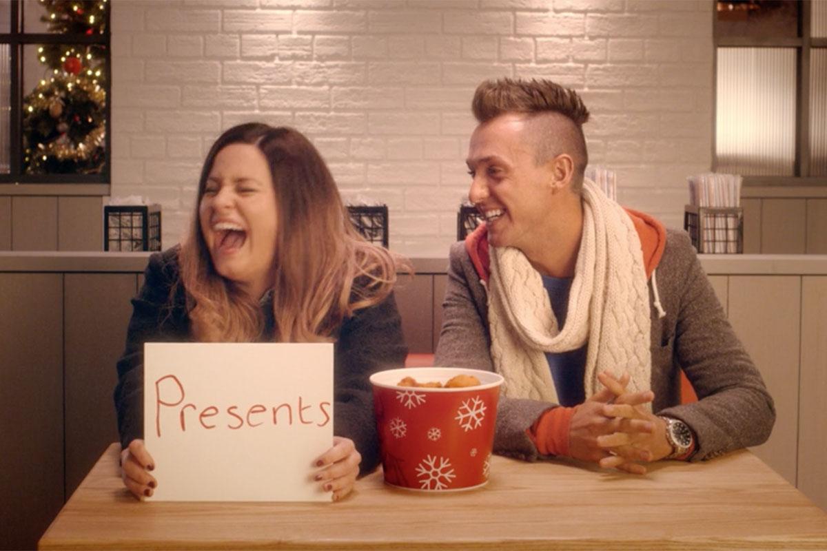 Rewelacyjna kampania KFC! Must See (Video) KFC KFC FriendshipBucketTestXmas15