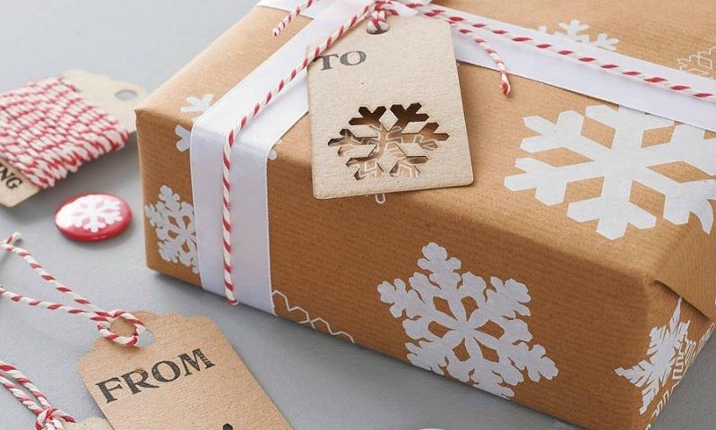 Technologia przy świątecznym stole? (Infografika) SMS jak pakować prezenty pomysły