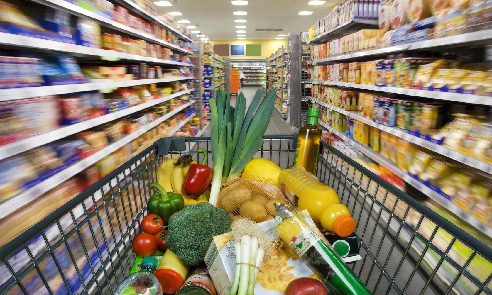 Który sklep najtańszy? Carrefour Fotolia 53864802 Subscription Monthly M crop