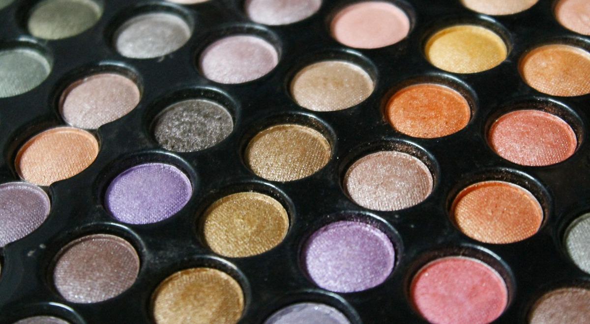 Rynek kosmetyczny w Polsce (infografika) rynek kosmetyczny kosmm
