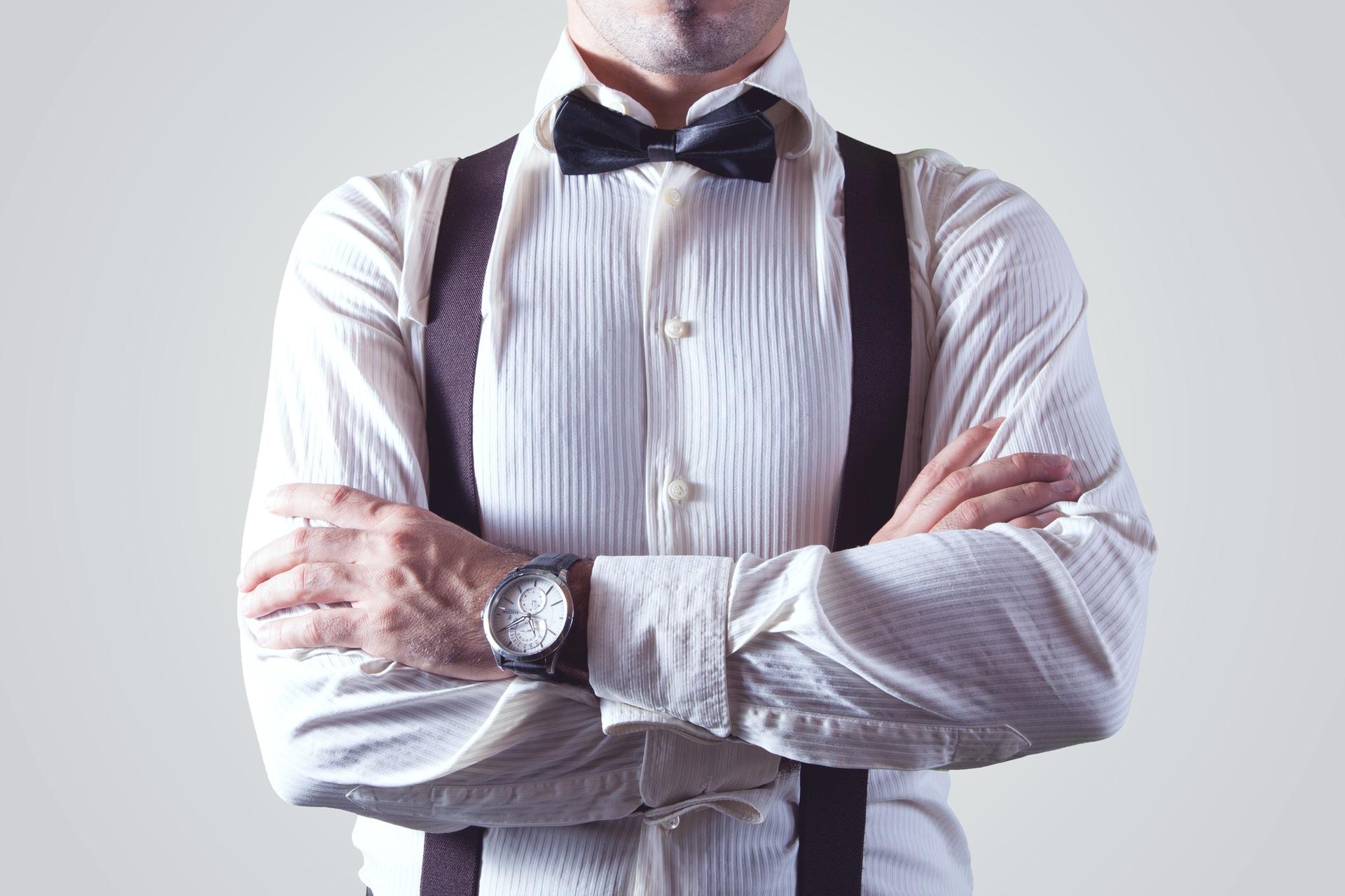 Czas na zmianę pracodawcy? Lepiej to przeczytaj i przemyśl CV bow tie businessman fashion man