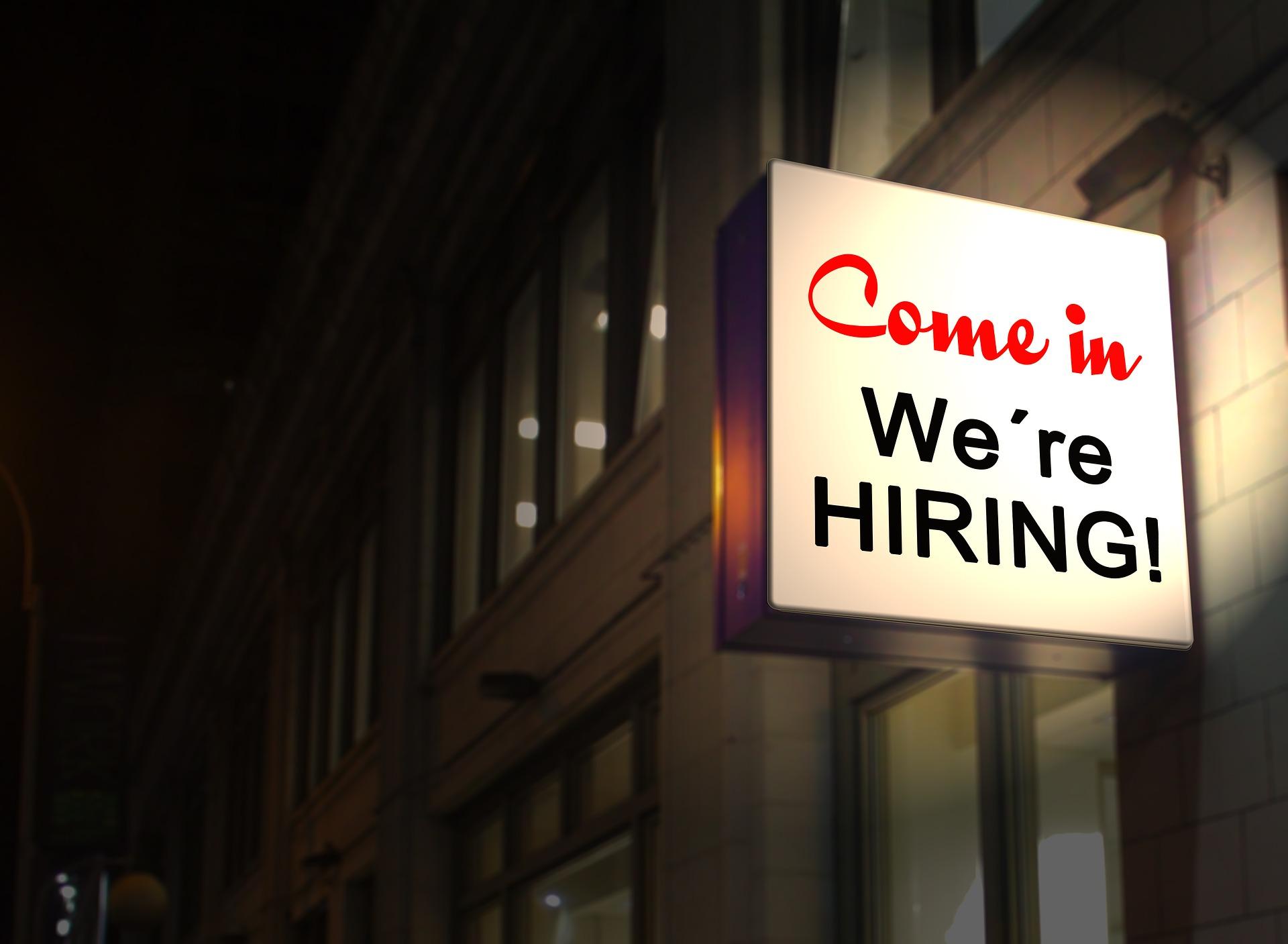 Jak zdobywać pierwsze doświadczenia w międzynarodowym biznesie? studia mediarun procter gamble praca biznes