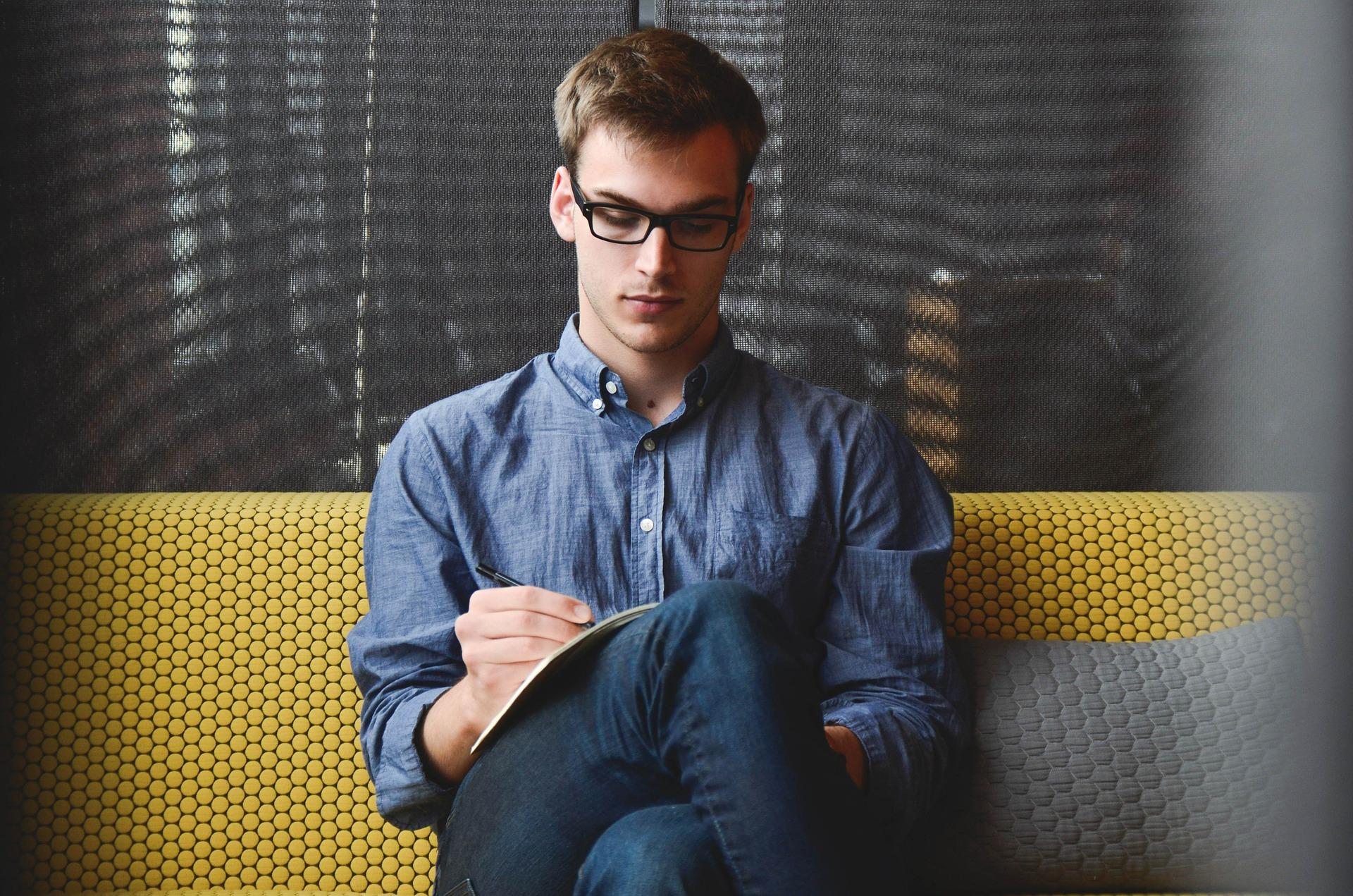 Jak przejść z trybu pracy online do offline? Hays Poland mediarun relaks biuro