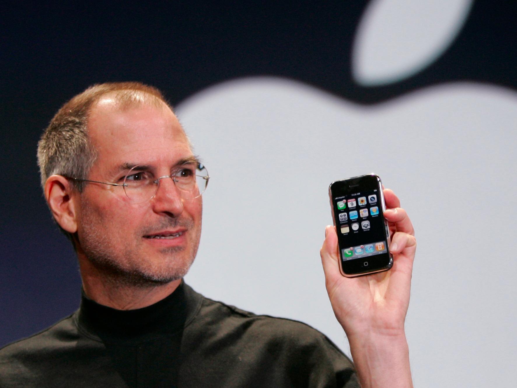 Najlepszego! iPhone kończy 10 lat Steve Jobs mediarun apple 10 lat iphone