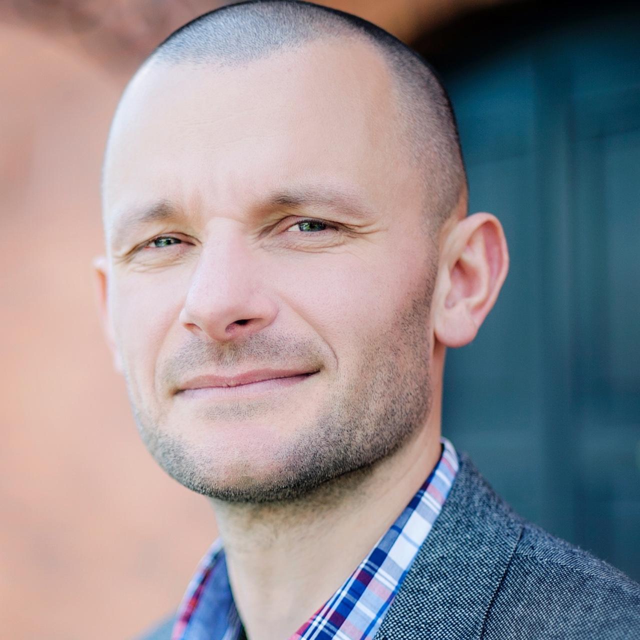 mediarun-zbigniew-nowicki-bluerank-managing-director