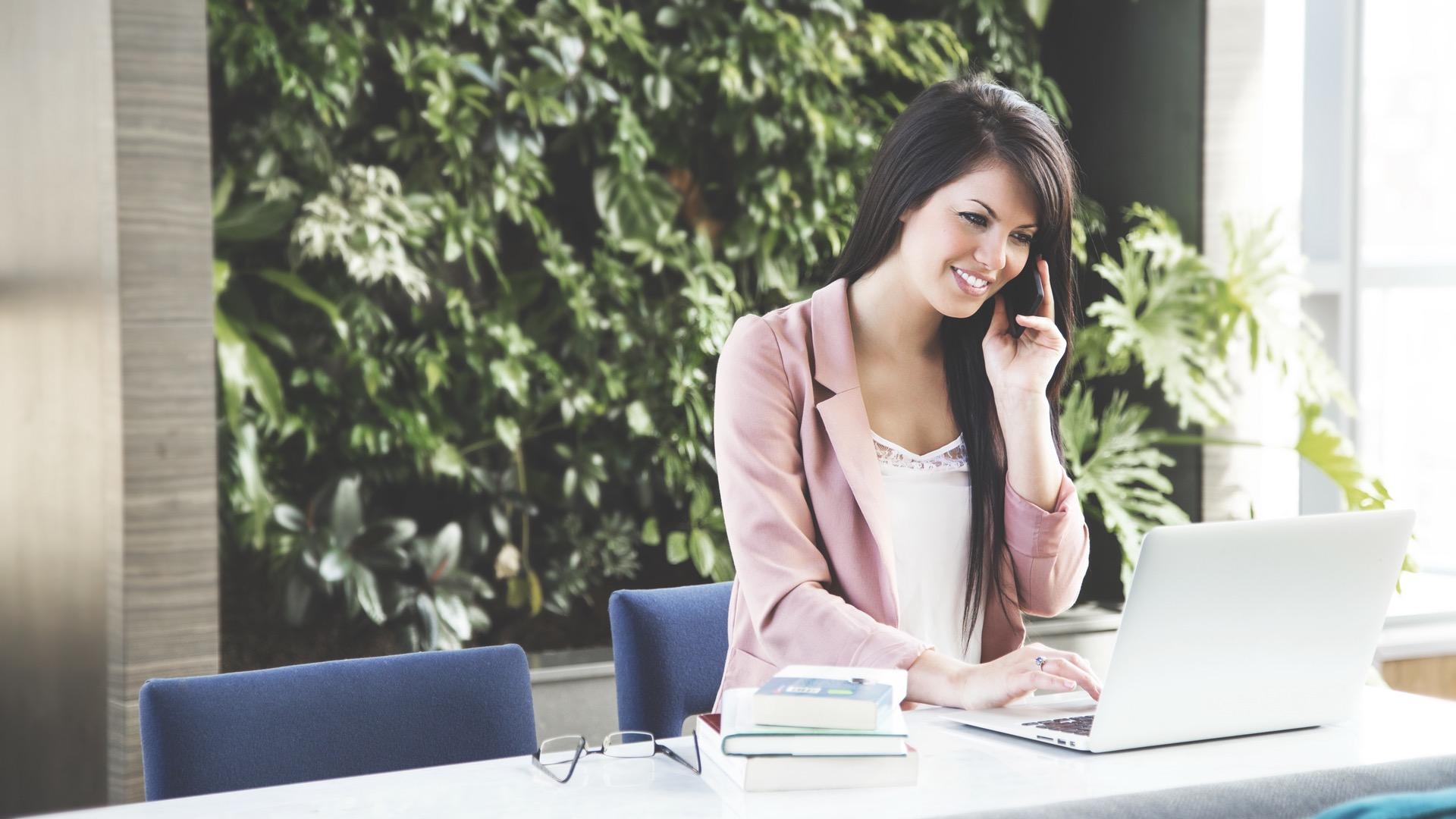 Rekruter umówi się z kandydatem przez... SMS-a Rekrutacja mediarun rekruter sms