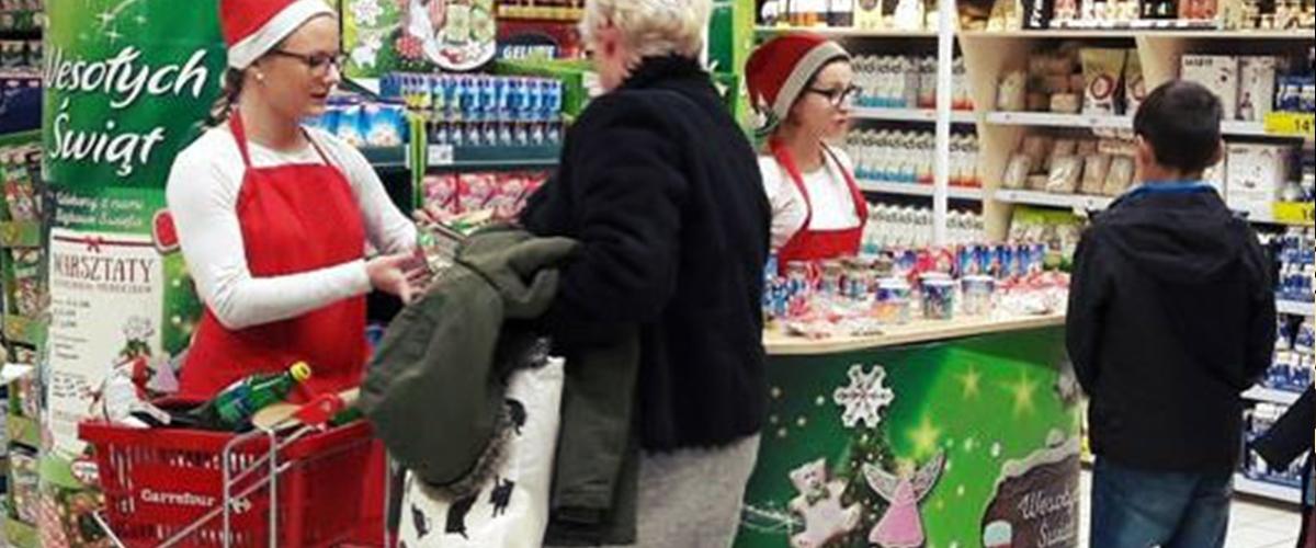 Czy warto organizować świąteczne akcje promocyjne? [Badania] Deloitte promocje