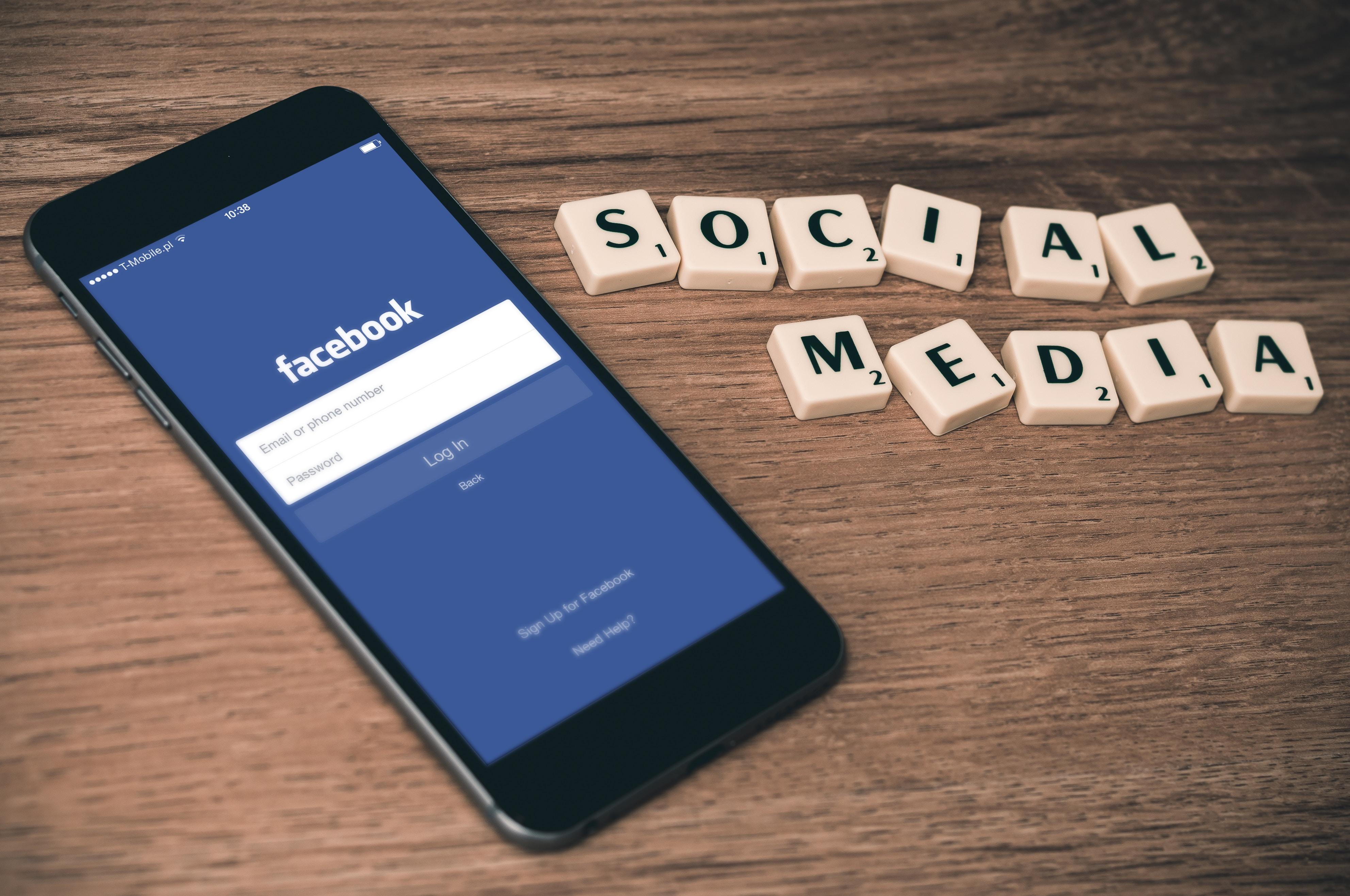 Facebook SocialMedia 1 Facebook Facebook z nowymi formatami reklam