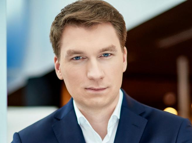 Z Idea Banku na prezesa do Trader.com AGORA Sławomir Gąsiorowski