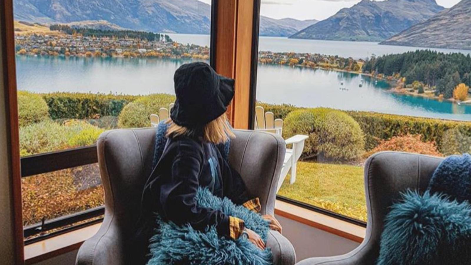 Kogo warto śledzić na Instagramie? top 5 mediarun airbinb instagram gory kobieta tlo 2019