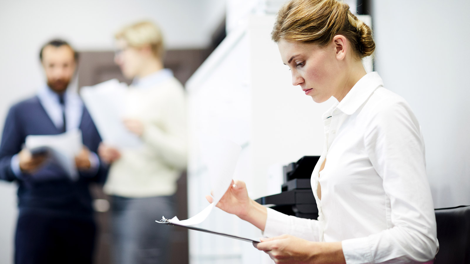 5 błędów, które mogą pojawić się w Twoim CV CV mediarun rozmowa o prace kobieta dokumenty 2019