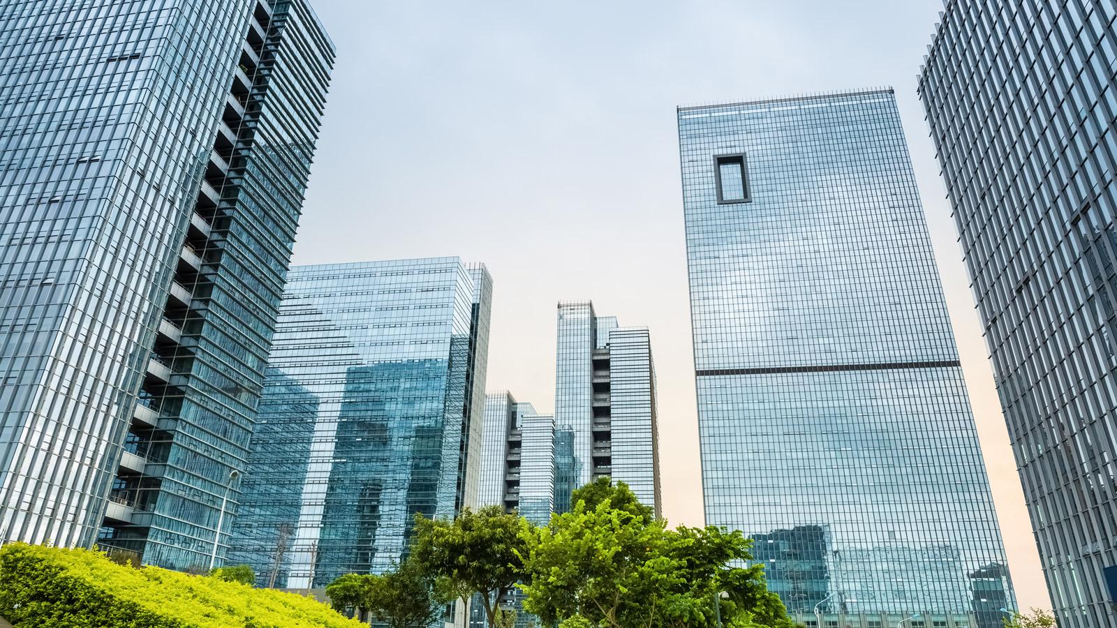 Innowacyjne biura - co 5 firma inwestuje w nowoczesne technologie biurowe Rekrutacja mediarun biurowce nowoczense biura 2019