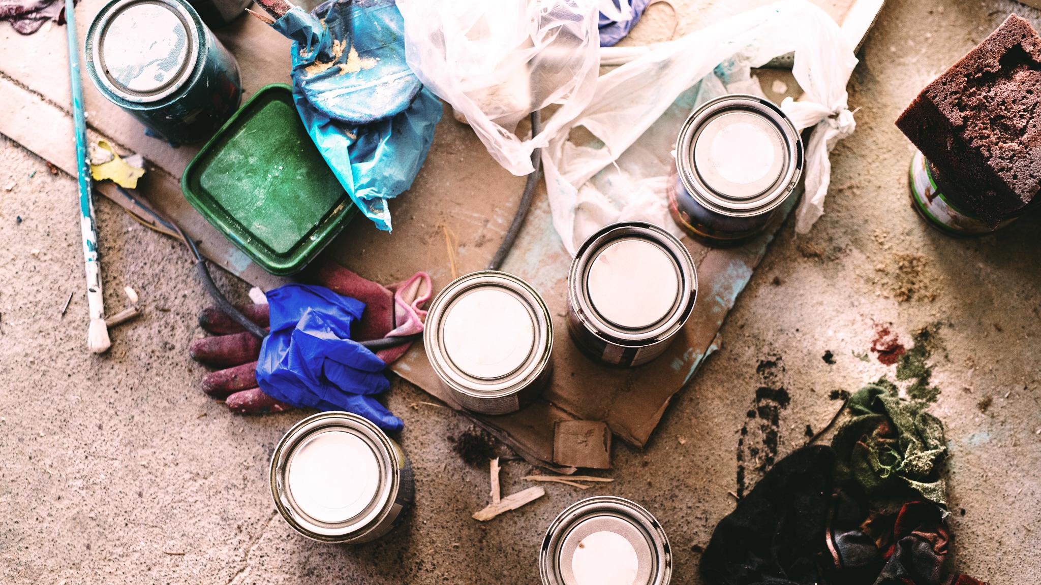 Porady dla małych firm - marketing porady MEDIARUN puszki farba rękawice 2020 v1