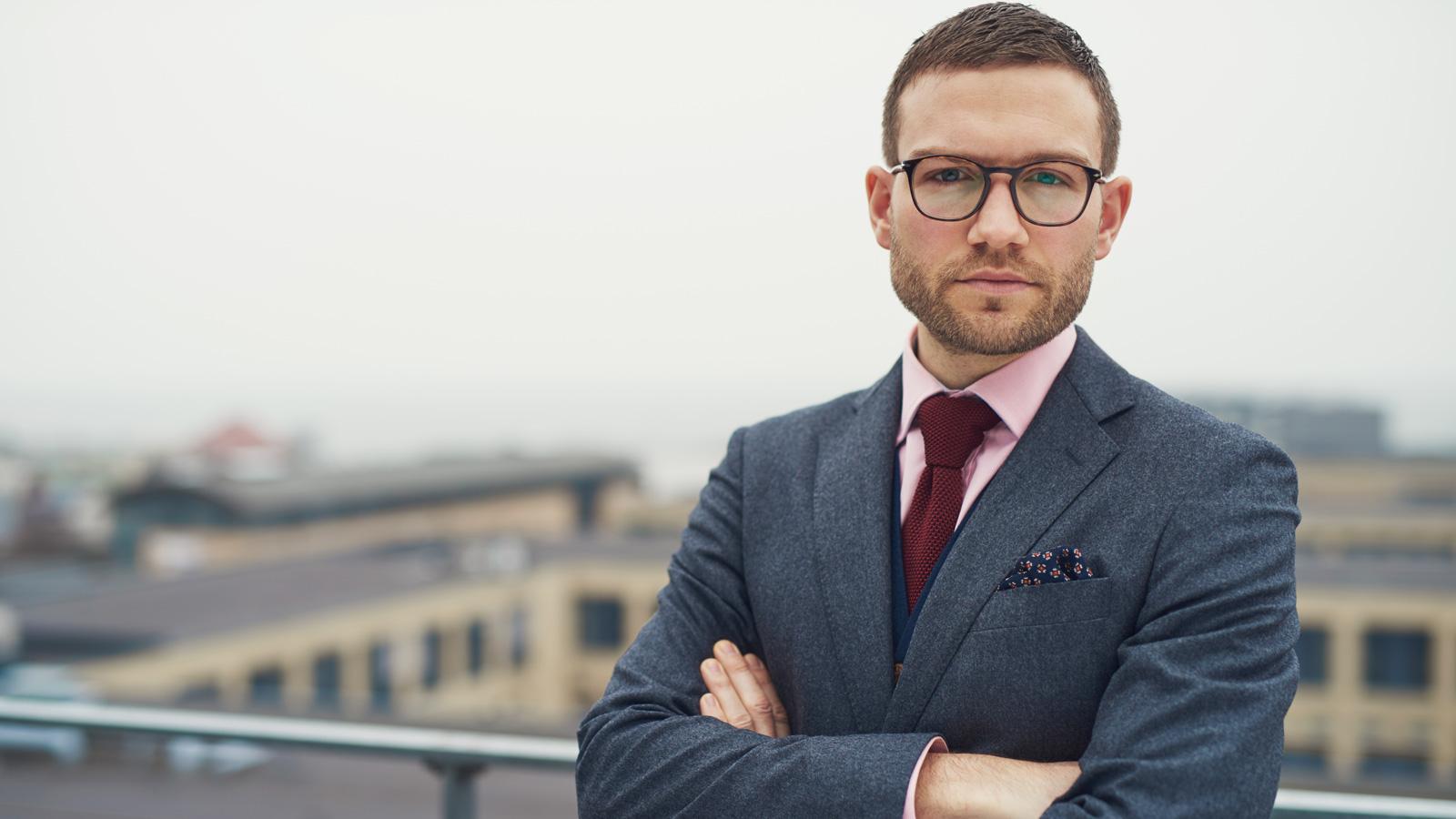 Jak Covid-19 zmieni sposób naszej pracy? –komentarze ekspertów porady mediarun Professional business businessman 2020