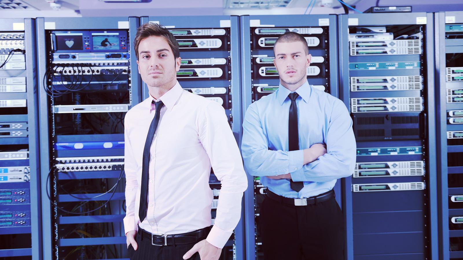Jak centra danych radzą sobie ze zwiększonym ruchem w Internecie? Technologia mediarun serwer informatyk technik IT dane centrum 2020