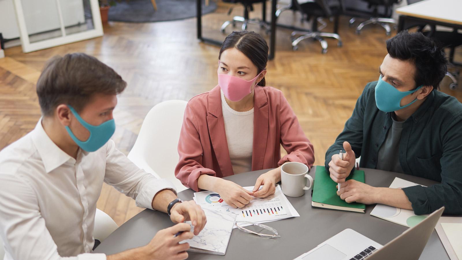 Spotkania biznesowe, szkolenia, konferencje i kongresy –wytyczne Ministerstwa Koronakryzys mediarun spotkanie epidemia wytyczne 2020