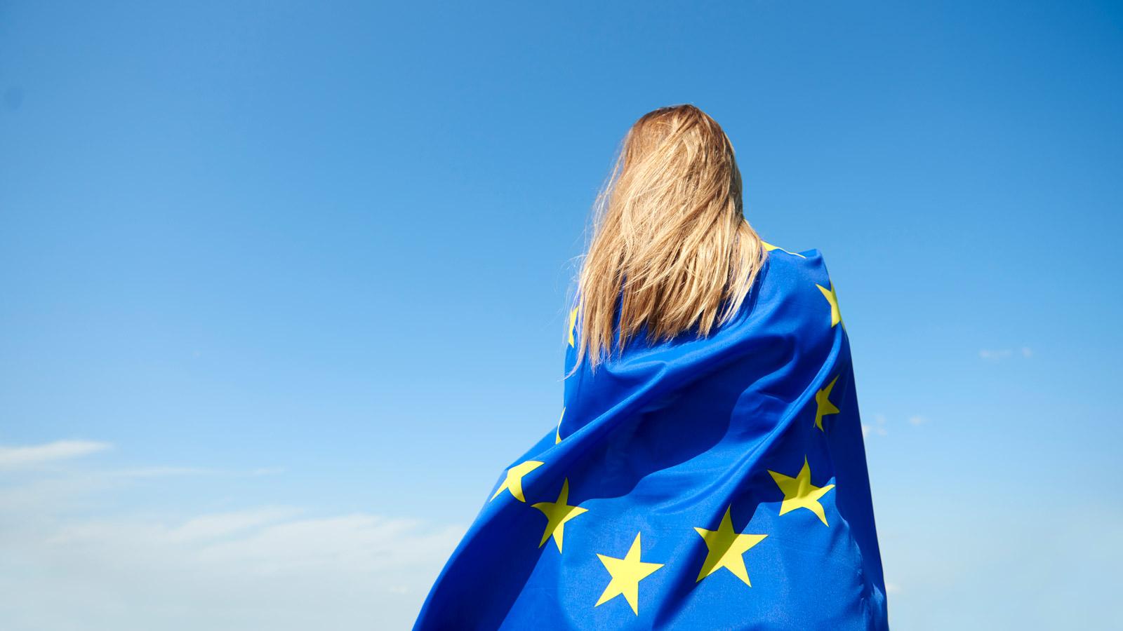 Co roku budżety państw w całej UE tracą 63,8 mld PLN – RAPORT Unia Europejska mediarun ue flaga budzet europa 2020