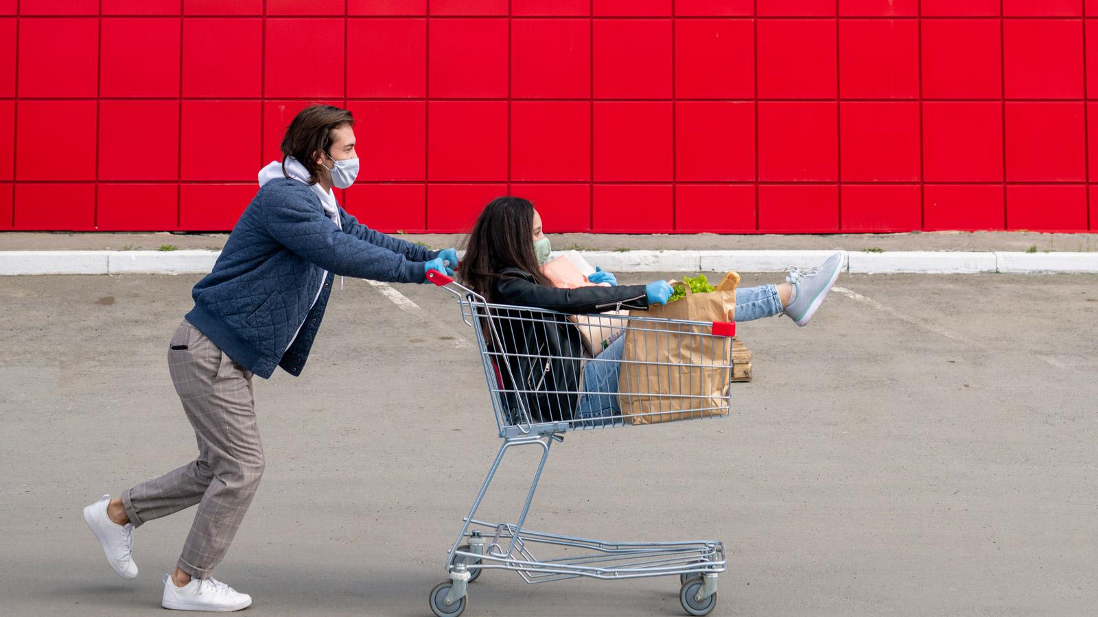 Ponad 60% Polaków kupuje świadomie i racjonalnie [BADANIE] Polacy mediarun zakupy maski koszyk digital ecommerce 2020