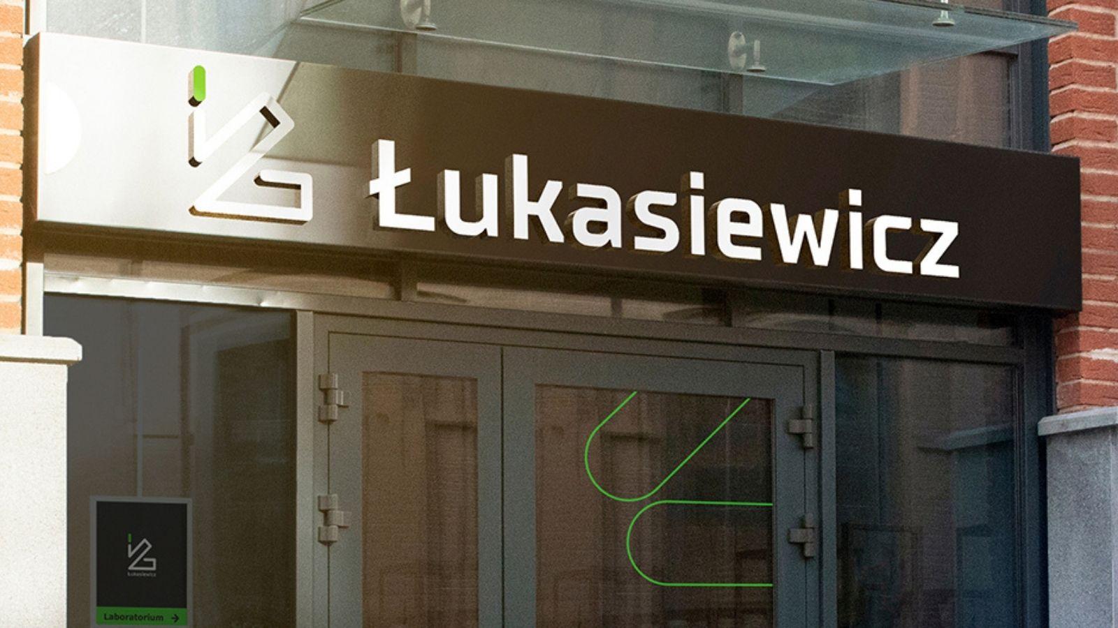 Nowa identyfikacja wizualna Sieci Badawczej Łukasiewicz [CASE STUDY] Logo mediarun com lukasiewicz
