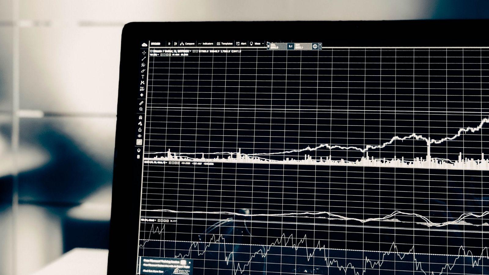 Rynek karmiony pandemią, rekordowe wydatki na Big Data AI mediarun big data