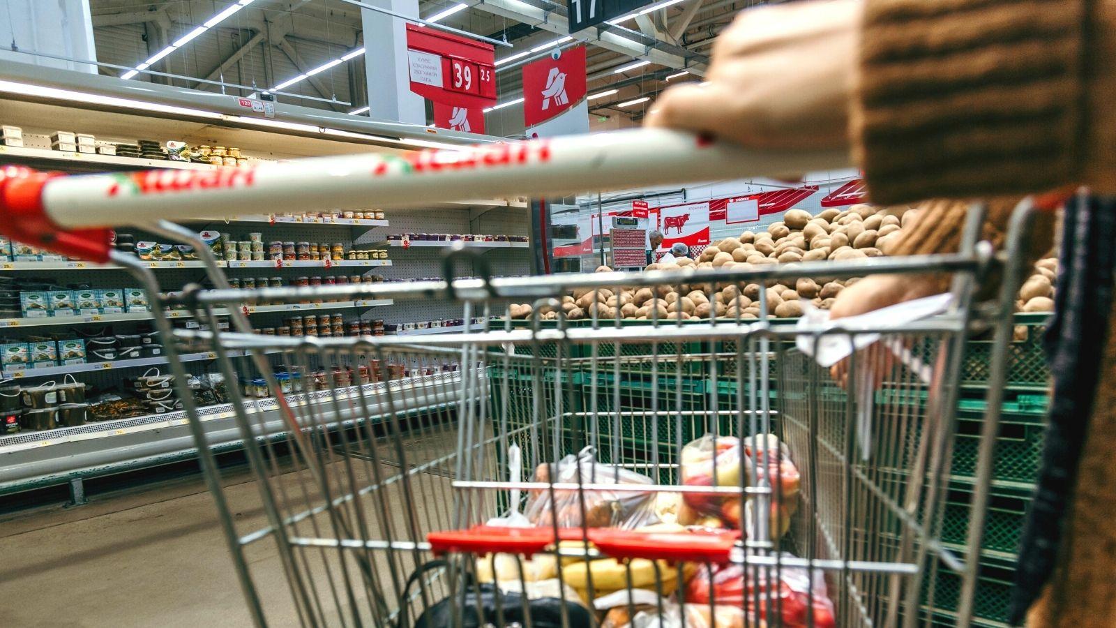 Prawie połowa Polaków kupuje na zapas! To najwyższy wynik w Europie [RAPORT] Deloitte mediarun com shopping