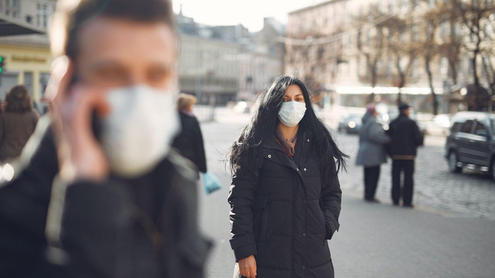 Obawy Polaków związane z pandemią zmniejszają się! [RAPORT] Deloitte mediarun coronavirus