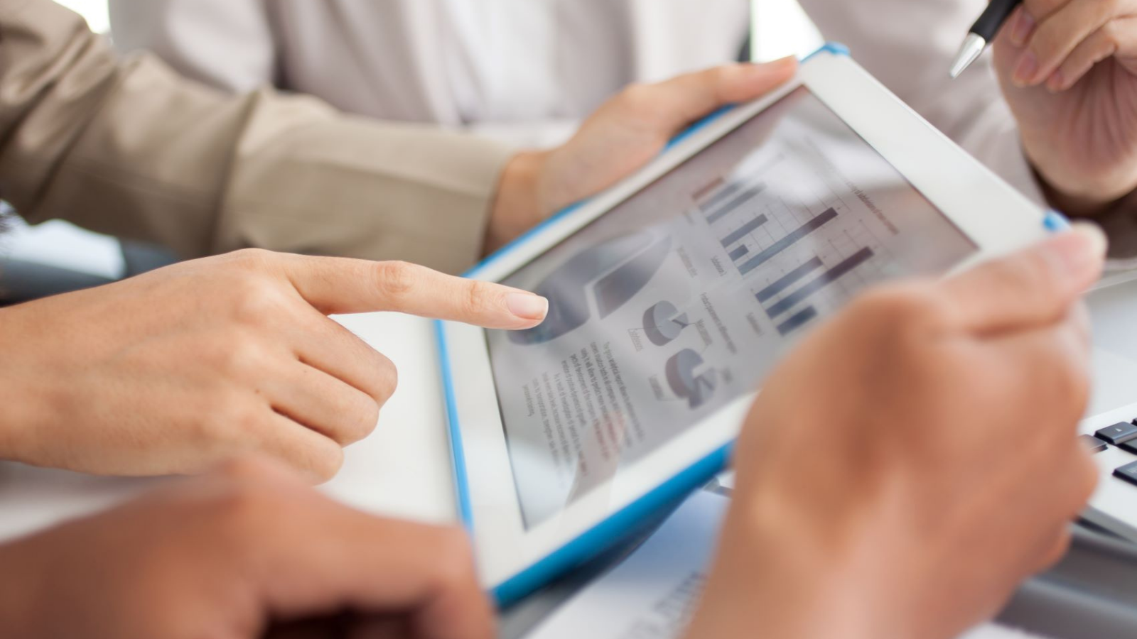 Jak analityka pozwala przewidzieć zachowania klientów? Data mediarun e commerce analityka