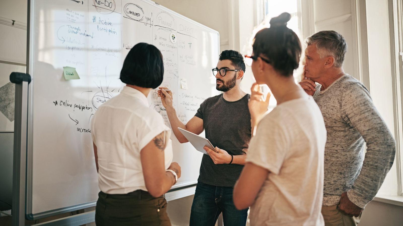 Co musisz wiedzieć zanim rozpoczniesz współpracę z agencją reklamową analiza mediarun agencja reklamowa