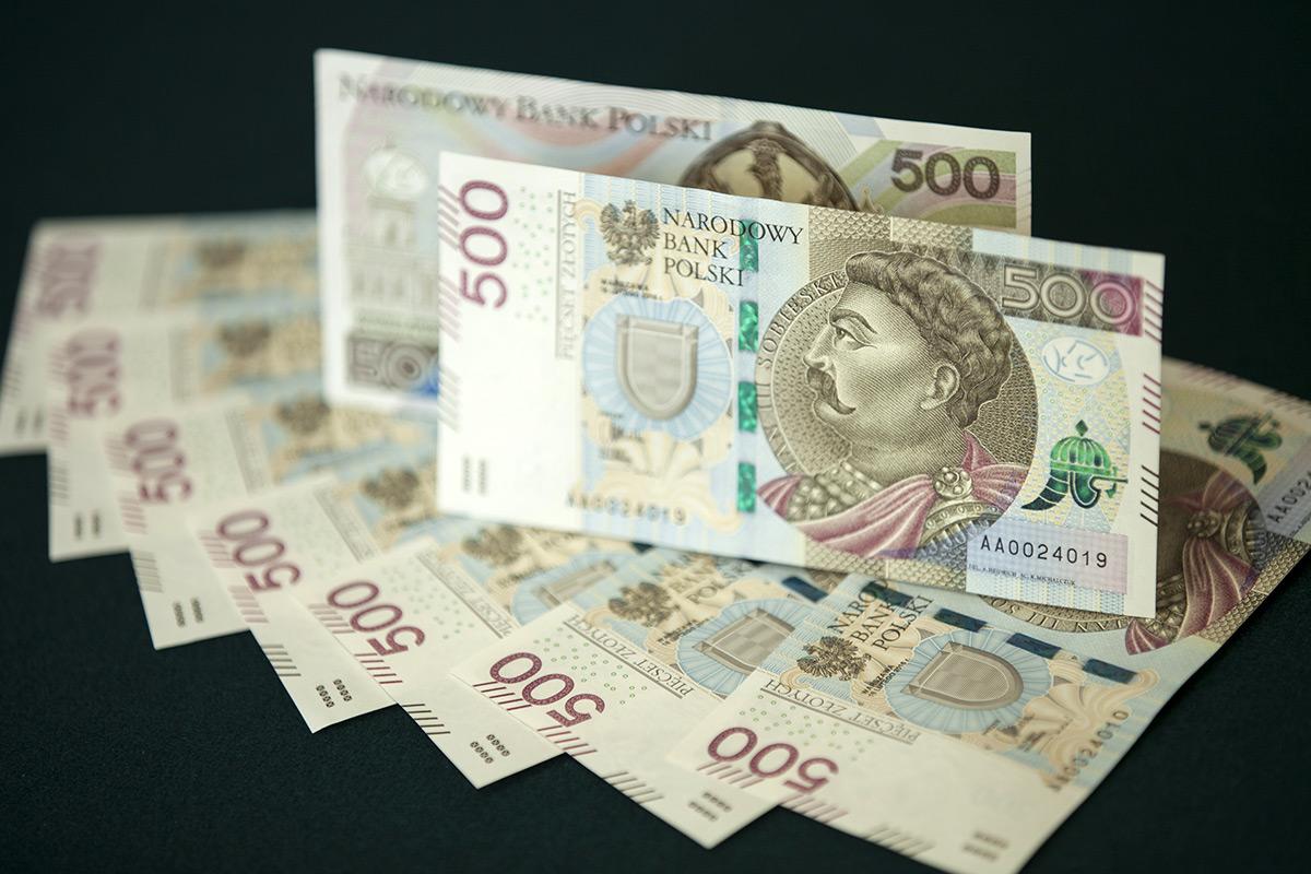 W lutm zobaczymy w portfelach nowy banknot Finanse mediarun banknoty 500 zl 3